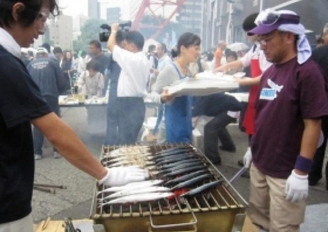 大船渡のさんま3333匹、東京タワーで3333人に