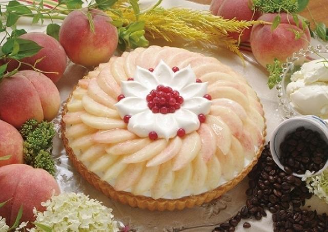 豪華な桃タルトが11種 キル フェ ボン5日間限定「桃」イベント