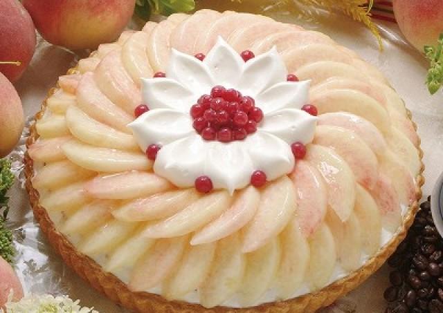 「桃」が主役の1週間 キル フェ ボンがタルト10種を一斉販売