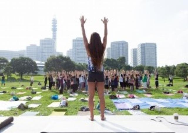 無料レッスンも充実! 横浜で日本最大級の「ヨガ」イベント