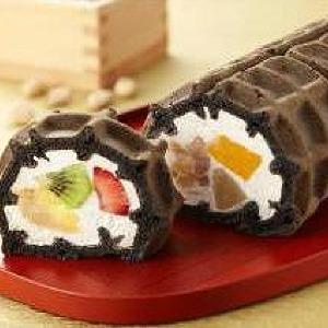 フルーツ&クリームの美コントラスト 恵方巻ロールに夢中