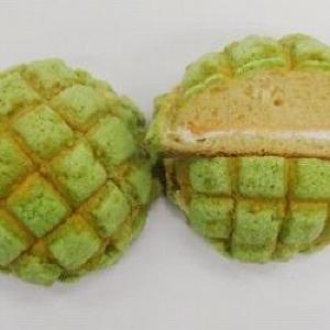 旬のメロンを味わって ファミマに個性豊かなメロンパン4種がお目見え