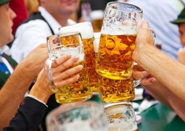 世界のビールとビュッフェを満喫!「太閤園オクトーバーフェスト2014」