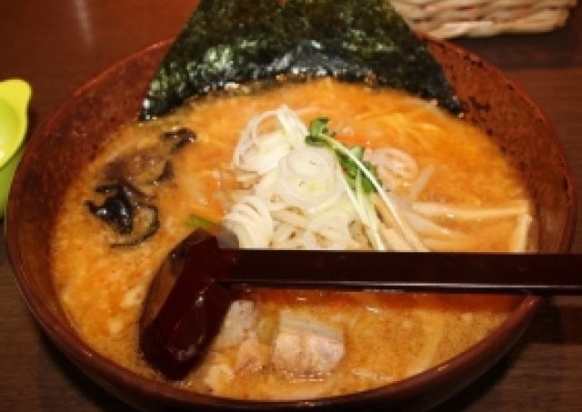 濃厚スープが止まらない! 本場の札幌みそラーメン「白樺山荘」を池袋で食べてきた
