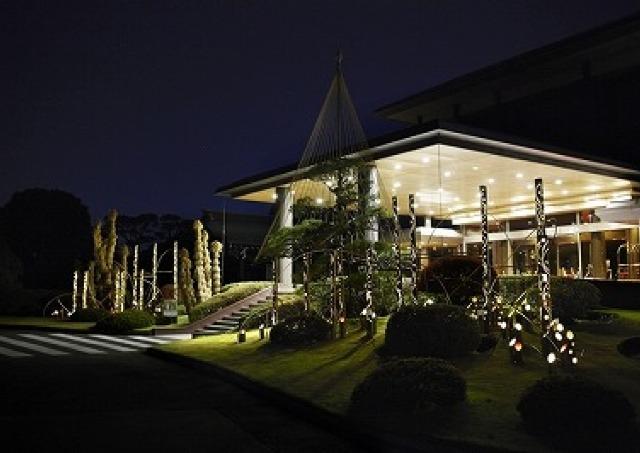 明治記念館で「和」のイルミネーション開催中 隠れくまもん見つけられるかな?