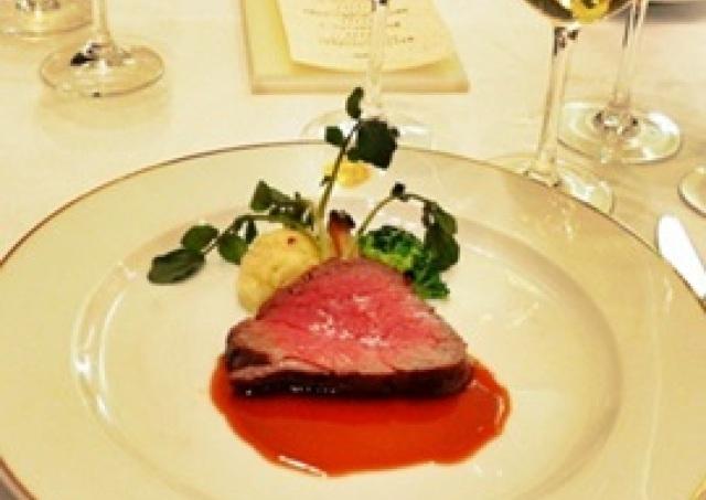 美の知恵を豪華ディナーと一緒に! マキアージュの特別セミナー「レディは香りをたしなむ~フレグランス&ワイン」