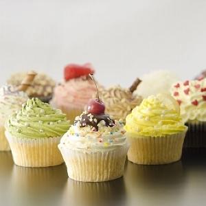 オープン当日は無料配布も 表参道に日本人にあわせた「モナークカップケーキ」