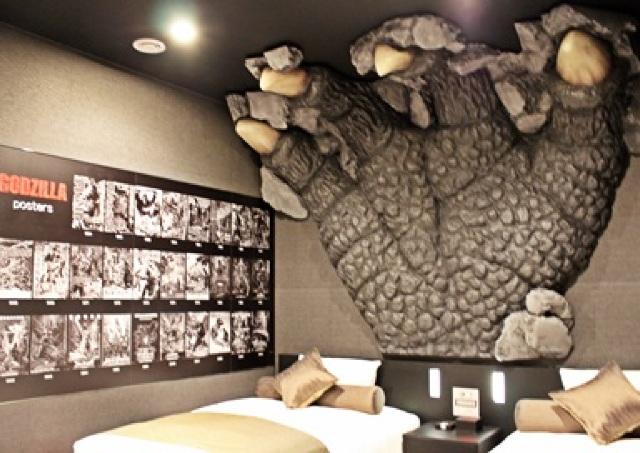 ゴジラルームついに公開!ゴジラが襲い掛かる大迫力の「ホテルグレイスリー新宿」潜入レポ