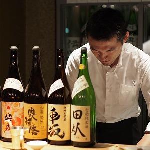 2000円で「きき酒」し放題! 道玄坂に立ち飲み「日本酒バー」開店