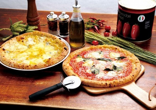 500円で食べられるもちもちの窯焼きピッツァ、立川シネマシティにオープン!
