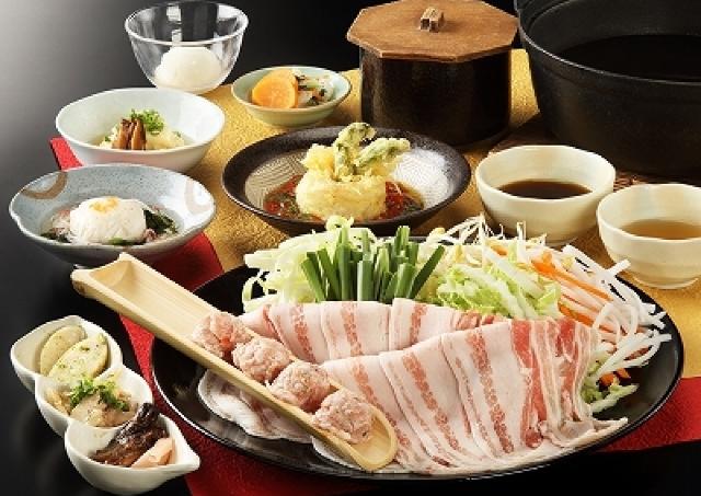「箱根温泉」1泊2食 新メニュー&飲み放題付きを5500円で楽しむ方法