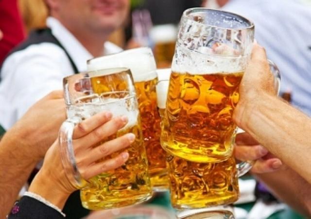 ドイツやベルギービール飲み放題!「オクトーバーフェスト」太閤園で