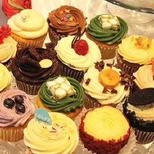 日本初進出!ロンドン生まれの「ローラズ・カップケーキ」を試食 思わず写真撮っちゃうかわいさにノックアウト