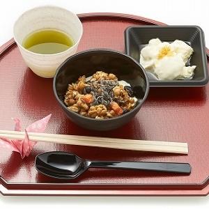 無料で食べられるよ フルグラと老舗料亭が協力した「朝食茶屋」が浅草神社に限定オープン