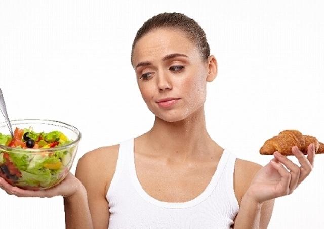 ちょこちょこ食いダイエットはやめた方が無難? 同じカロリーでも食事回数が多いと太る