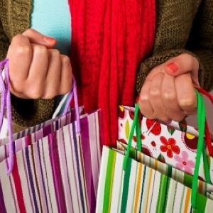 「お得な福袋」ゲットの秘訣は「スマホ」にあり 限られた予算内でどう買うか