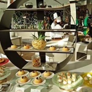 気づけば大皿5枚ぺろり 「ヒルトン東京ベイ」デザートブッフェは想像以上のクオリティだった