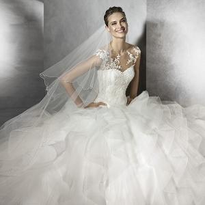 【未来の花嫁必見】ウエディングドレスが1万800円から! 大人気のセールが横浜で開催