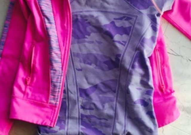 L.A.にも洋服「格差」あり? 高級ヨガウェアを子供に着させたい親のホンネ
