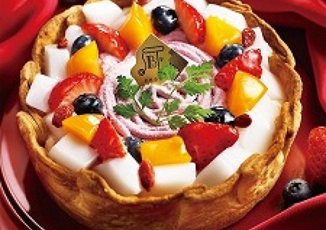 「PABLO」から「いちごと杏仁豆腐のチーズタルト」 ぷるん食感の杏仁が楽しい!