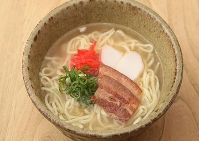 麺2種とトッピング10種の組み合わせ自由! 自分だけの「沖縄そば」で銀座ランチを満喫