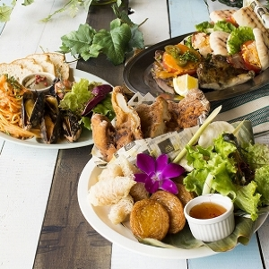世界の屋台料理が集結! 横浜ベイクォーターに「4回行きたくなる」ビアガーデン