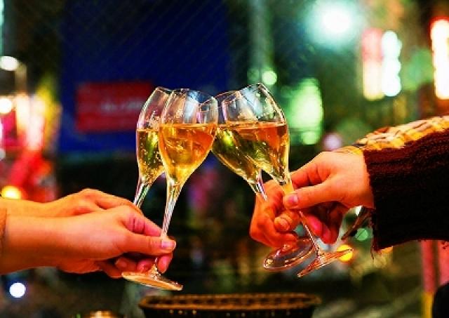 これは行かなきゃ! 自由が丘で「樽詰めスパークリングワイン」が半額の250円で飲めちゃう