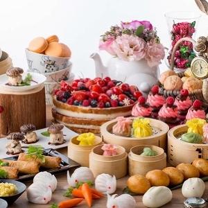 「アリスのお茶会」はじまります ヒルトン東京に「アリス」モチーフのデザートと点心ブッフェ