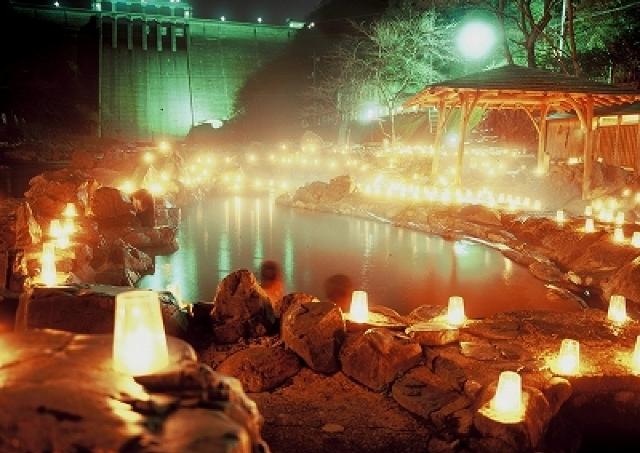 食べて笑って光に癒される 湯原温泉「キャンドルファンタジー&砂場で湯上りテラス」