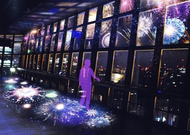 東京タワーで花火のプロジェクションマッピング ロマンチックな夏の夜を
