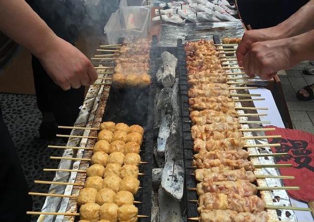 8月10日は「焼き鳥の日」 浅草、神楽坂、亀有で炭火焼取りが1本10円!