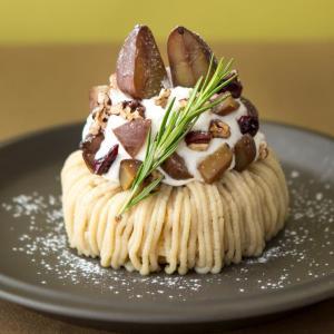おや?生地はどこ...? J.S. PANCAKE CAFEの「和栗のモンブランパンケーキ」がおいしそう