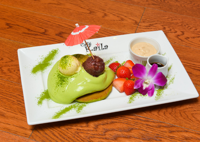 とろ~り抹茶クリームが食欲そそる カフェ・カイラの新メニュー「抹茶パンケーキ」500円