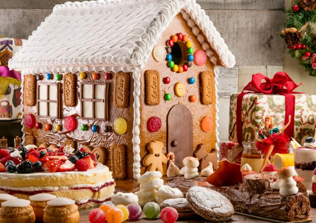 ヘンゼルとグレーテルの「お菓子の家」そのまんま! ヒルトン東京のスイーツブッフェ、クオリティ高すぎっ!