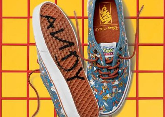 トイ・ストーリ―×VANSのスニーカーがデビュー 靴裏には「ANDY」のサイン