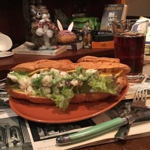 ニコラハウスの500円ランチ お食事系シュー生地サンドイッチにドリンク付き