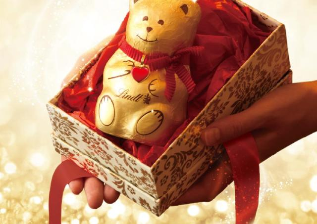 リンツのXmas限定のチョコレート かわいいクマさんチョコはプレゼントにもぴったり