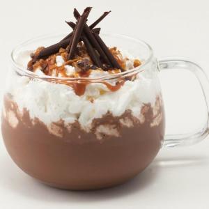 リンツにホリデーシーズンだけのホットチョコレートドリンク 濃厚チョコとキャラメルソースにうっとり