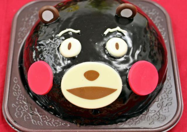 【衝撃】ローソンのくまモンケーキ作って思いっきり真っ二つにしてみた!