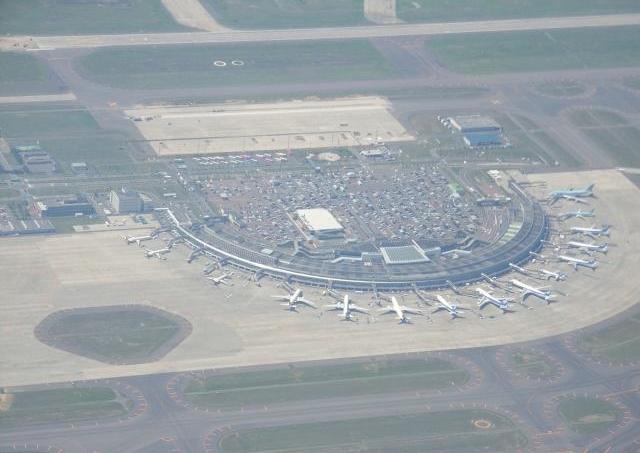まるでファンタジーの世界 真っ白な新千歳空港を写した一枚が話題