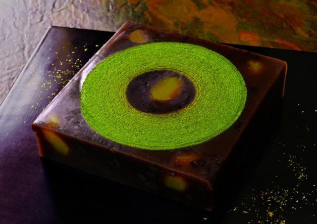 お値段1万円! お茶屋の「抹茶バームクーヘン」が栗羊羹をまとってゴージャスに進化