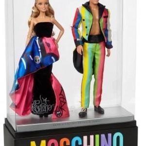 「モスキーノ」とバービーがコラボ! 「モスキーノ バービー&ケン ギフトセット」が数量限定販売