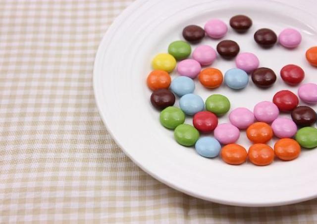 会社っていいな... 職場の雰囲気を変える「義理チョコ活用法」
