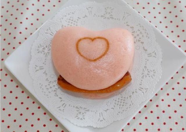 バレンタインに「ハート角煮まんじゅう」 甘いものが苦手な彼にも