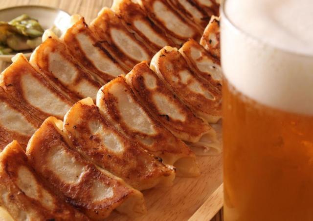 430円で4種の餃子食べ放題! 「新宿駆け込み餃子」の肉汁祭が帰ってきた