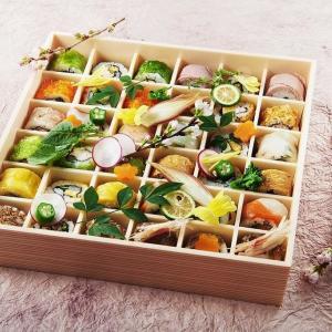 まるで宝石箱! カラフルなひと口サイズロール寿司、1512円から食べられる!