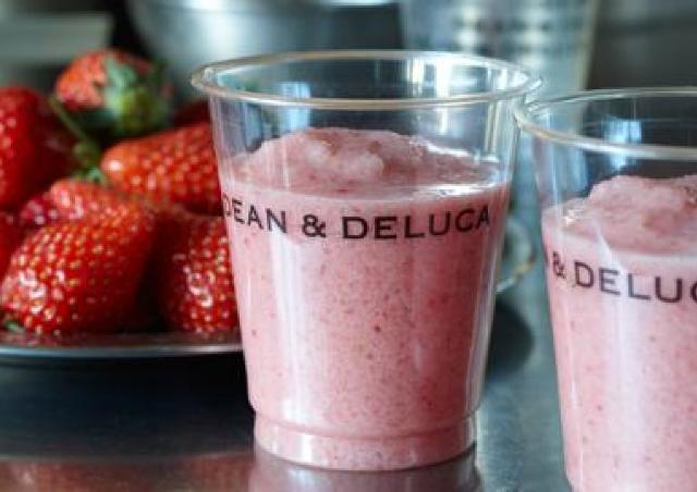 DEAN&DELUCAで毎年人気! イチゴをまるごと使った「フレッシュストロベリージュース」