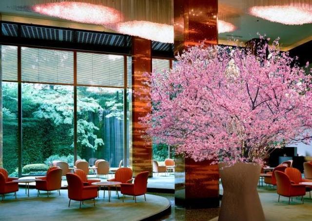 ホテル内に桜 リーガロイヤルホテルにお花見にぴったりメニュー