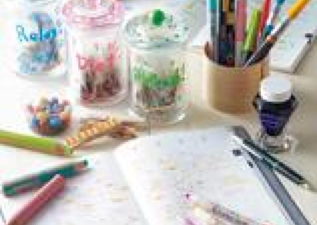 ボールペンや色鉛筆、万年筆...好みの筆記具がきっと見つかる