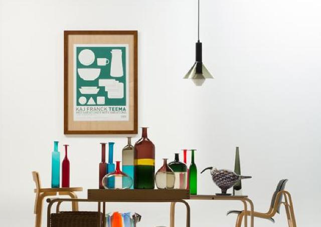 フィンランドデザインの家具や日用雑貨を一堂に展示